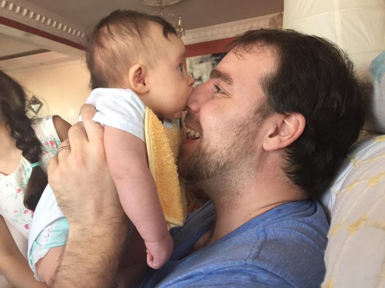 munching-dads-nose